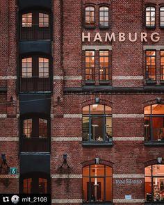 Endlich Wochenende in der schönsten Stadt!  (: @mlt_2108) . . . . . . #hamburg #wearehh #welovehh #hamburgerecken #ahoihamburg #heuteinhamburg #igershh #igershamburg #visithamburg #explorehamburg #traumstadt #hamburg_de #waterkant #hamburgmeineperle #typischhamburg #hamburgliebe #instahamburg #instagood#speicherstadt