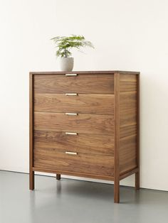 Modern and handmade furniture design collection for home furnishings by Alice Tacheny. Cabinet Furniture, Bedroom Furniture, Diy Furniture, Modern Furniture, Furniture Design, Cama Queen, Japanese Furniture, Modern Dresser, Dresser As Nightstand
