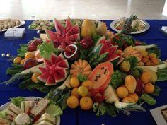 mesa de frutas rustica luau
