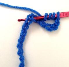 How to double treble, treble treble, quadruple treble and quintuple treble crochet stitches, my tutorial Treble Crochet Stitch, Crochet Stitches, Crochet Tutorials, Crochet Projects, Learn To Crochet, Quilt Top, Quilt Blocks, Crocheting, Projects To Try