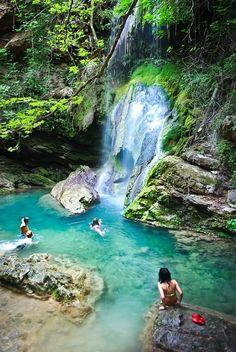 """Waterfall """"Fonisa"""", Kythira island"""