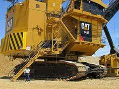 Heavy Construction Equipment, Construction Machines, Heavy Equipment, Big Rig Trucks, Old Trucks, Giant Truck, Earth Moving Equipment, Caterpillar Equipment, Cat Machines