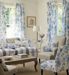 Blue and white cottage living room. Cottage Living, Home Living Room, Living Room Designs, Living Room Furniture, Living Room Decor, Decor Room, Living Area, Living Spaces, Wall Decor