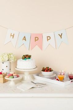 The Gold Foil Trend Letter Banner includes 46 trend banners with gold foil letters to spell out words like Celebrate, Congratulations, Happy Birthday, and many other words! Farm Wedding, Wedding Day, Party Trays, A Little Party, Diy Party, Party Ideas, Gold Foil, Birthday Cake, Birthday Ideas