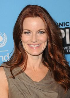 Laura Leighton Long Wavy Hairstyles for Women Over 40 Prom Hairstyles, Over 40 Hairstyles, Older Women Hairstyles, Quick Hairstyles, Hair Styles 2014, Medium Hair Styles, Short Hair Styles, Laura Leighton, Haircut For Older Women