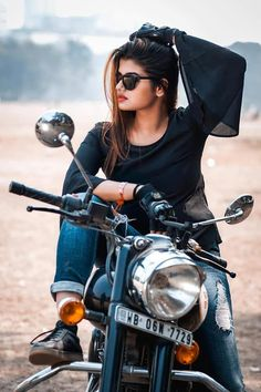 Royal enfield world Cute Girl Photo, Girl Photo Poses, Girl Poses, Bike Photography, Photography Poses Women, Teen Photography, Wedding Photography, Motorbike Girl, Motorcycle Style