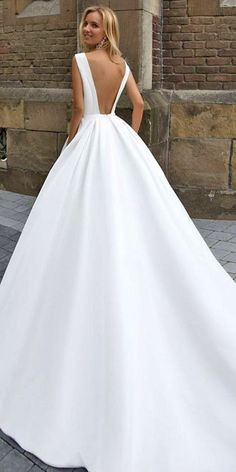 Wonderful Perfect Wedding Dress For The Bride Ideas. Ineffable Perfect Wedding Dress For The Bride Ideas. Dream Wedding Dresses, Bridal Dresses, Wedding Gowns, Wedding Rings, Lace Wedding, Classy Wedding Dress, Mermaid Wedding, Wedding Bride, Bridal Collection