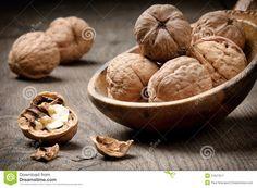 still-life-walnuts-21627917.jpg (1300×953)
