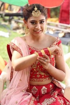 Girls Dp Stylish, Stylish Girl Images, Cute Girl Poses, Girl Photo Poses, Beautiful Indian Actress, Beautiful Actresses, Pakistani Bridal Couture, Indian Navel, Niti Taylor