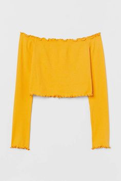 Short, off-the-shoulder top in ribbed jersey with overlocked edges. Crop Top Outfits, Casual Work Outfits, Swag Outfits, Girly Outfits, Spring Outfits Women, Girls Summer Outfits, Outfits For Teens, Preteen Fashion, Teen Fashion Outfits