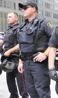 Cop Uniform, Men In Uniform, Army Police, Police Officer, Handsome Men In Suits, Blue Line Police, Hot Cops, Beefy Men, Military Girl