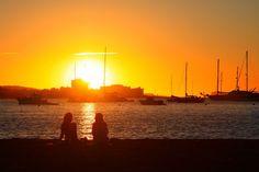 Sonnenuntergang am Strand von Sant Antoni.