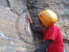 Advance #Mountaineering Course - Trainee pulling out the Choke Nut from the crack