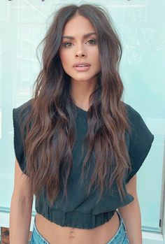 Do you like your wavy hair and do not change it for anything? But it's not always easy to put your curls in value … Need some hairstyle ideas to magnify your wavy hair? Hairstyles Haircuts, Pretty Hairstyles, Updo Hairstyle, Summer Hairstyles, Braided Hairstyles, Wedding Hairstyles, Pelo Cafe, Brown Blonde Hair, Long Brown Hair