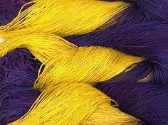 Kleurhelderheid, onderdeel van de drie kleurhoedanigheden (A). Kleurhelderheid hangt af van het reflecterend vermogen van een kleur. Hoe meer licht een kleur weerkaatst hoe helderder hij is. Zo is geel een helderdere kleur dan paars omdat geel veel licht weerkaatst.
