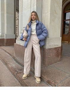 Discover recipes, home ideas, style inspiration and other ideas to try. Winter Fashion Outfits, Fall Winter Outfits, Look Fashion, Dress Winter, Net Fashion, Fashion Weeks, Paris Fashion, Trendy Fashion, Korean Fashion
