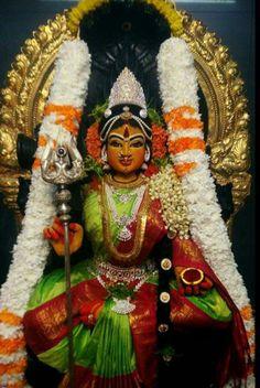 Om shakti Hindu Vedas, Hindu Deities, Hinduism, Indian Goddess, Goddess Lakshmi, Lord Rama Images, Mahakal Shiva, Beautiful Nature Pictures, Gods And Goddesses
