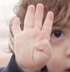 Superman Wallpaper, Cartoon Wallpaper, Korean Tv Shows, Superman Baby, Baby Park, Cute Memes, Kids Hands, Baby Fever, Baby Kids