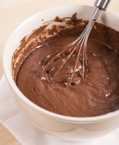 Looking for easy keto dessert recipes? Your search ends here. If you thought eating brownies on a ketogenic diet was off the table, think again! This quick and easy keto brownie recipe is made with simple Gourmet Recipes, Low Carb Recipes, Dessert Recipes, Cooking Recipes, Quick Recipes, Comida Keto, Keto Brownies, Keto Fudge, Homemade Brownies