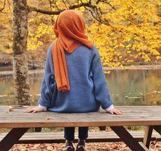 Hijabi uploaded by Apple Blossom on We Heart It Hijabi Girl, Girl Hijab, Hijab Outfit, Beautiful Muslim Women, Beautiful Hijab, Ootd Poses, Hijab Collection, Hijab Cartoon, Hijab Stile
