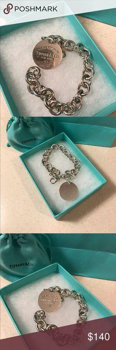 Authentic Tiffany Bracelet Beautiful bracelet, I've had for a while & haven't worn it in a long time. So I figured id sell it. Size 7.5. Comes with its tiffanys pouch, box & shoppers bag. PRICE FIRM Tiffany & Co. Jewelry Bracelets