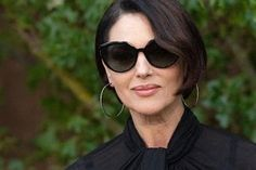 Monica Bellucci, Cat Eye Sunglasses, Round Sunglasses, Paparazzi Photos, Fashion Week, Paris Fashion, Celebs, Celebrities, Celebrity Pictures