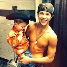 Austin Mahone with Logan :) tht is so cute