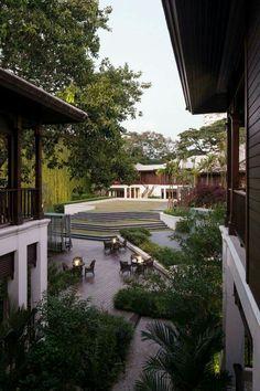 137 pillars house. P Landscape