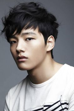 Yeo Jin Goo (I know he's like 15 but...WHY DOES HE HAVE TO BE ONLY 15?!?!?!?)