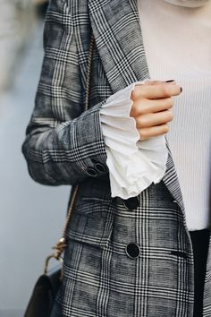 Bell Sleeve Shirt, Checked Blazer & New Hair - Fashionnes Bell Sleeve Shirt, Shirt Sleeves, Checked Blazer, Plaid Coat, Winter Stil, Casual, Blazer Outfits, Winter Outfits Women, Love Fashion