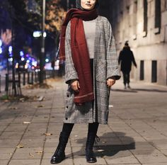 Outfits with prints are super wearable but it still looks like you put effort into it; Modest Outfits, Simple Outfits, Chic Outfits, Fashion Outfits, Niqab Fashion, Muslim Fashion, Love Fashion, Fasion, Casual Hijab Outfit