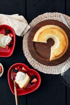 Angel Food Cake - noch luftiger, wenn du statt Sahne FAGE Total und frische Früchte nimmst.