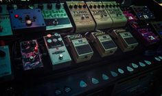 David Gilmour came to London recently to perform a set of solo material and Pink Floyd classics – we caught the show and its build up on camera Guitar Rig, Guitar Pedals, Pink Floyd, David Gilmour Guitar, Pedalboard, News Studio, The Guardian, Behind The Scenes, Guitars