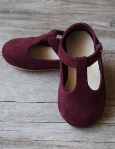 Sweet Handmade Leather Mary Jane Baby Shoes   CriaBabyShoes on Etsy
