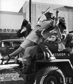 © Walter Sanders - Hollywood, CA, US August 1945