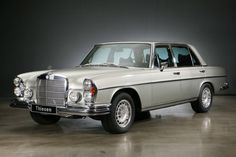 Mercedes Benz Maybach, Mercedes Benz 300, Classic Motors, Classic Cars, Benz S Class, Classic Mercedes, Limousine, Hot Cars, Vintage Cars