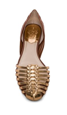 Vince Camuto Golden Flats http://rstyle.me/n/gkf6zr9te