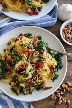 Roasted Garlic and Kale Spaghetti Squash -Roasted garlic and kale spaghetti squash with sun-dried tomatoes and walnuts makes for a comforting, low-carb meal requiring only 5 main ingredients! Plus the recipe is simple to prepare! Veggie Recipes, Whole Food Recipes, Cooking Recipes, Healthy Recipes, Couscous Recipes, Tilapia Recipes, Recipes Dinner, Mexican Recipes, Snacks Recipes