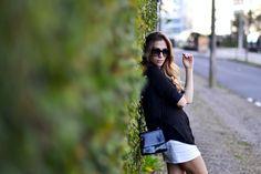 Look - Sunday streets | SulianeVieira.com  | Saia H&M Camisa Zara Colar Ebay Anéis Silvia Doring Sandália Schutz Bolsa vintage