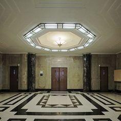 """Soudní síň lobby, Foley US Post Office a soud, Albany, New York od Library of Congress Jako velký fanoušek obou symetrie a černé a bílé, říkám tady Bravo.  Z LOC: """"James T. Foley US Post Office a soud, Albany, New York byl postaven ..."""