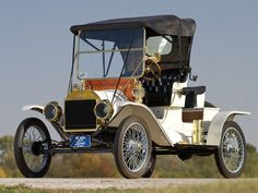 1912 Ford Model T Roadster - (Ford Motor Company, Dearborn, Michigan 1903-present)