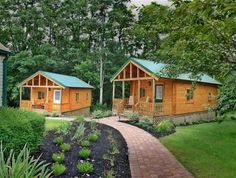 Romantic cabins at Los Gatos Bed & Breakfast - Penn Yan, New York Penn Yan, How To Build A Log Cabin, Best Insulation, Log Cabin Homes, Log Cabins, Big Houses, Guest Houses, Cozy Cottage, Maine House