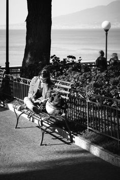 forthepleasureofmylife: Reader on the bench Sorrento... My blog posts