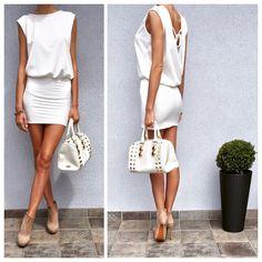 Sukienka THE ONE ⭐ Dostępne rozmiary: xs,s,m,l Dostępne kolory: biały, pudrowy róż Cena: 159 PLN Polecamy na upalne dni ☺☀
