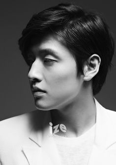 Many k-drama actors juggle demanding drama schedules with film work, but this year Kang Ha Neul outdid himself by appearing on the small screen and in no less than four films, Mourning Grave, Cest Si Bon, Age of Innocence and Twenty. Lee Jin Wook, Choi Jin Hyuk, Asian Actors, Korean Actors, Korean Idols, South Corea, Kang Haneul, Hot Korean Guys, Korean Men