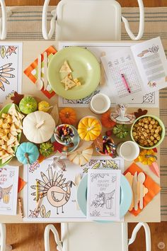 Thanksgiving kids' table crafts: 3 free downloadable activities - Think.Make.Share. Thanksgiving Crafts For Kids, Thanksgiving Table Settings, Family Thanksgiving, Holiday Tables, Kids Crafts, Christmas Tables, All You Need Is, Happy Turkey Day, Kid Table
