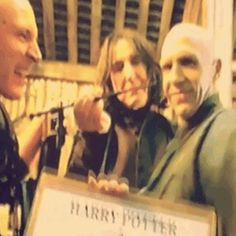 Snape and Voldemort behind the scene Harry Potter Humor, Arte Do Harry Potter, Harry Potter Actors, Yer A Wizard Harry, Harry Potter Universal, Harry Potter World, Hogwarts, Slytherin, Voldemort