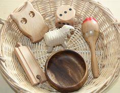 Wood treasure basket - Counting Coconuts: May 2012 Montessori Toddler, Montessori Activities, Toddler Play, Baby Play, Infant Activities, Infant Play, Heuristic Play, Discovery Box, Treasure Basket
