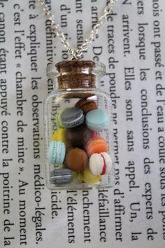 Collier fantaisie gourmand fiole de macarons ronds de toutes les couleurs en Fimo : Collier par avenue-des-fantaisies