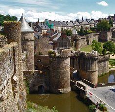 Fougeres, la porte Notre-Dame - Fougeres, Bretagne